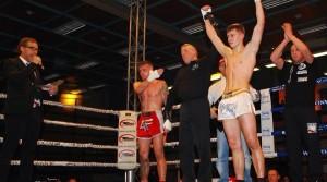 Artur Scherer gewinnt WFCA-Titel im Thai-Kickboxen-K1